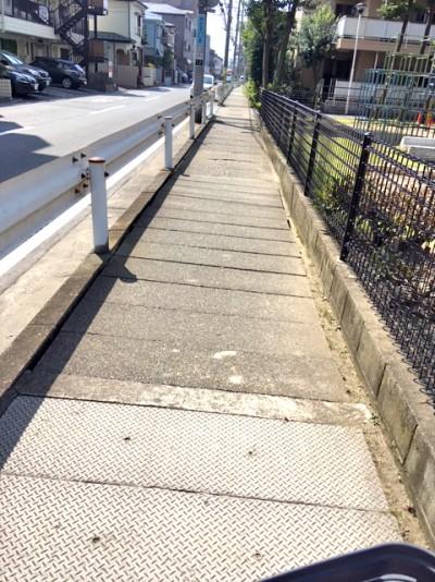 蓋かけ歩道改修工事完了1