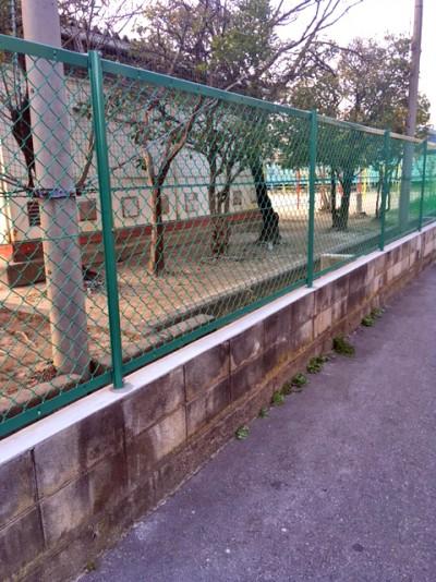 鬼高小学校のグラン側のネット2