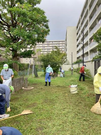 地域の公園清掃活動2