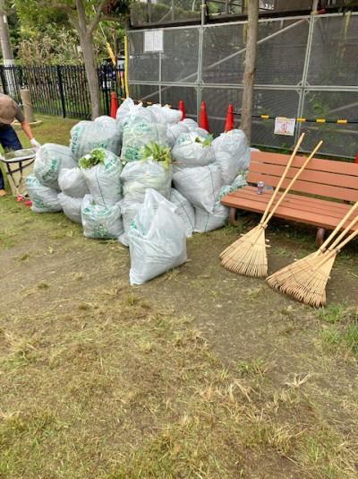 地域の公園清掃活動3